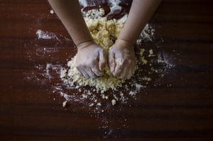 2015-08-Life-of-Pix-free-stock-photos-making-dough-hands-Dreamy
